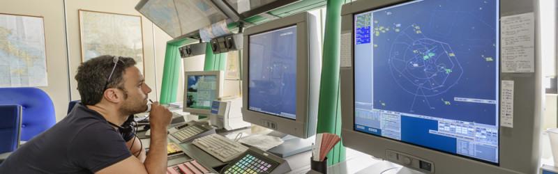Профессия авиадиспетчер: обязанности, важные качества, где учиться – Описания Профессий
