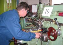Профессия фрезеровщик: обязанности, важные качества, где учиться – «Моё призвание»