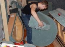 Драпировщик – специалист по обойно-драпировочным работам при изготовлении мебели.
