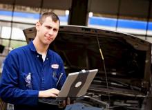 Автоэлектрик – специалист по диагностике и ремонту всех электросетей автомобиля.
